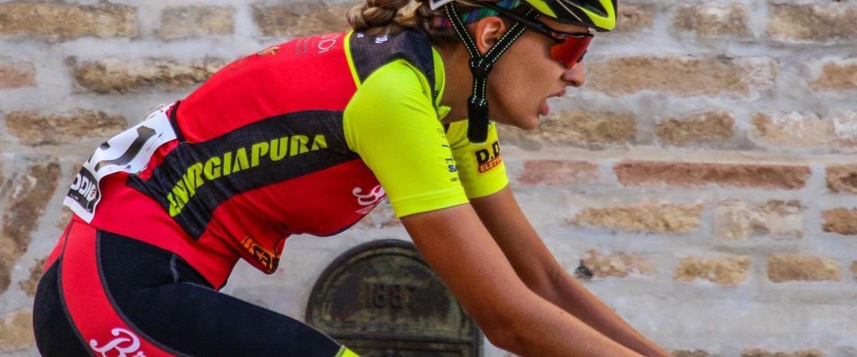 آلیس کپاسو ، اولین نفر از زنان نخبه در تیم VO2 صورتی: