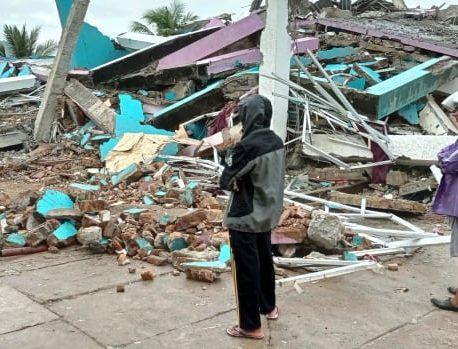 حداقل 10 کشته در این زمین لرزه باعث رانش زمین در اندونزی شد