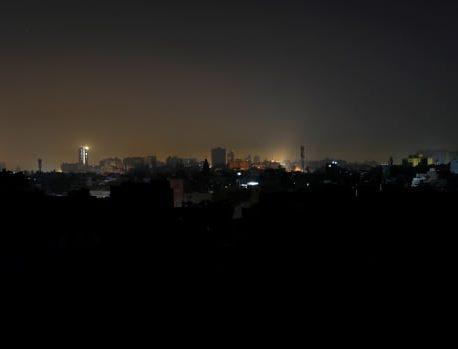 وزیر می گوید ، پاکستان تحت تأثیر یک قطعی گسترده برق قرار دارد ، تلاش برای بازیابی در جریان است